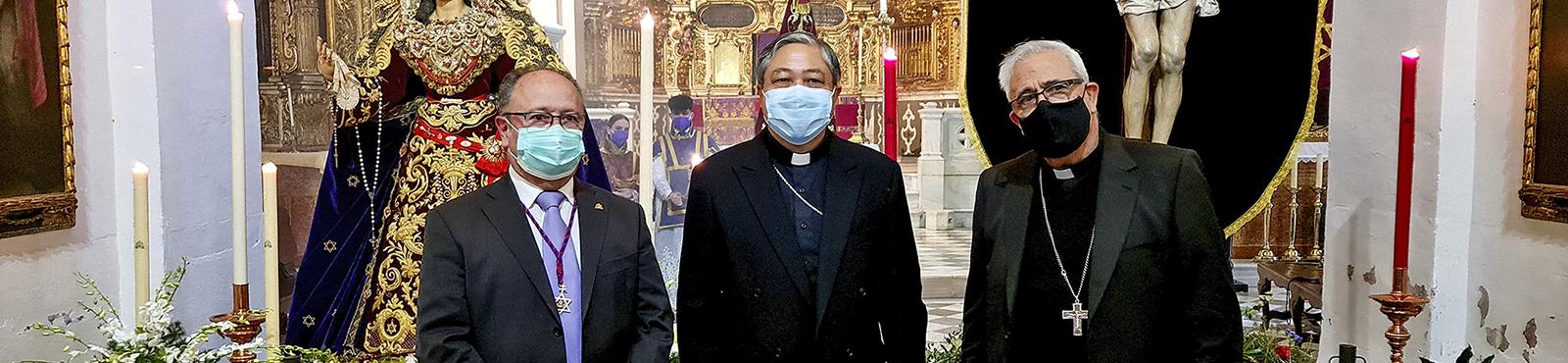 El Nuncio de Su Santidad el Papa y el alcalde de Granada suben a la Abadía el Miércoles Santo